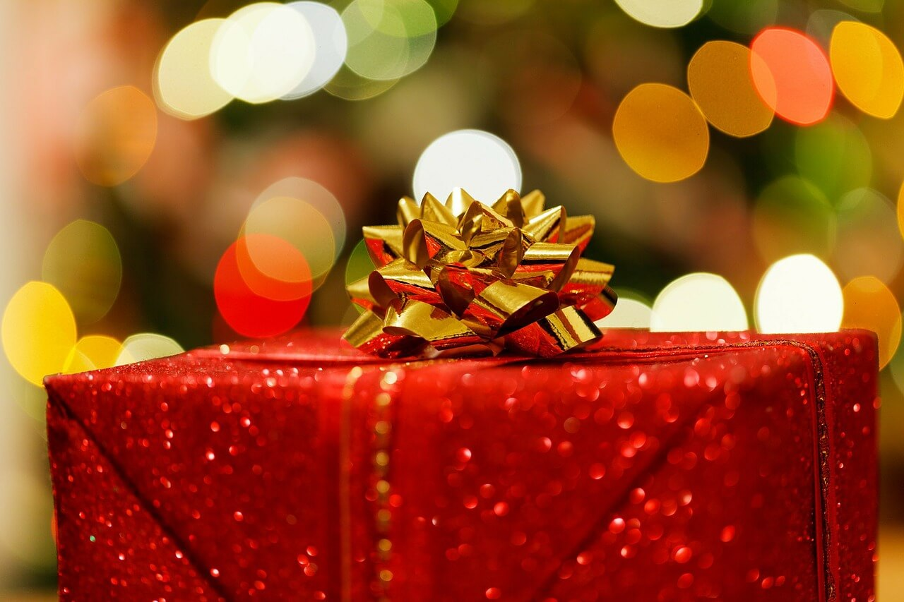 What Holiday Gifts Should I Insure? Fadaie Insurance ...